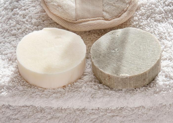 Top 6 des raisons de passer à un shampoing solide